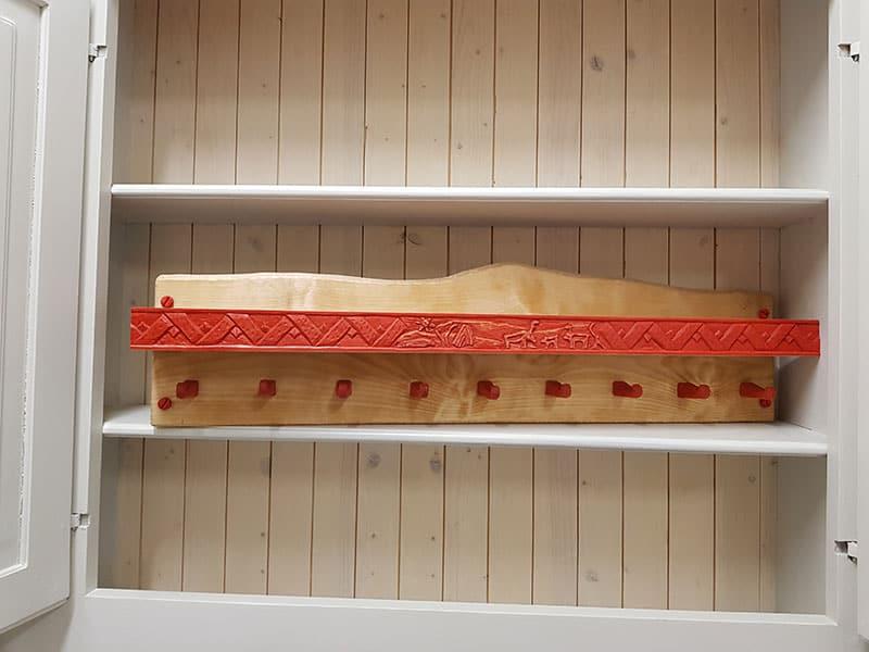 Samiskt hantverk hylla